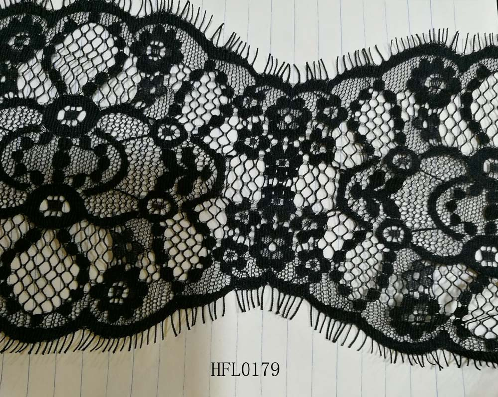 Daisy design with hole lace trim for cloths